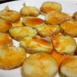 Colocamos las patatas como base del plato