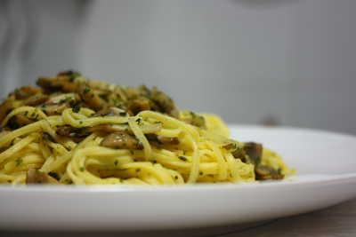 Espaguetis con champiñones