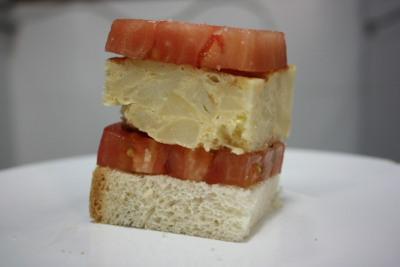 Pincho de tortilla de patata con cebolla (versión española)
